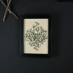 Gothic Decoration Picture Linen - Moth