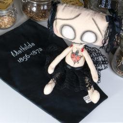 Gothic Puppe Mathilda