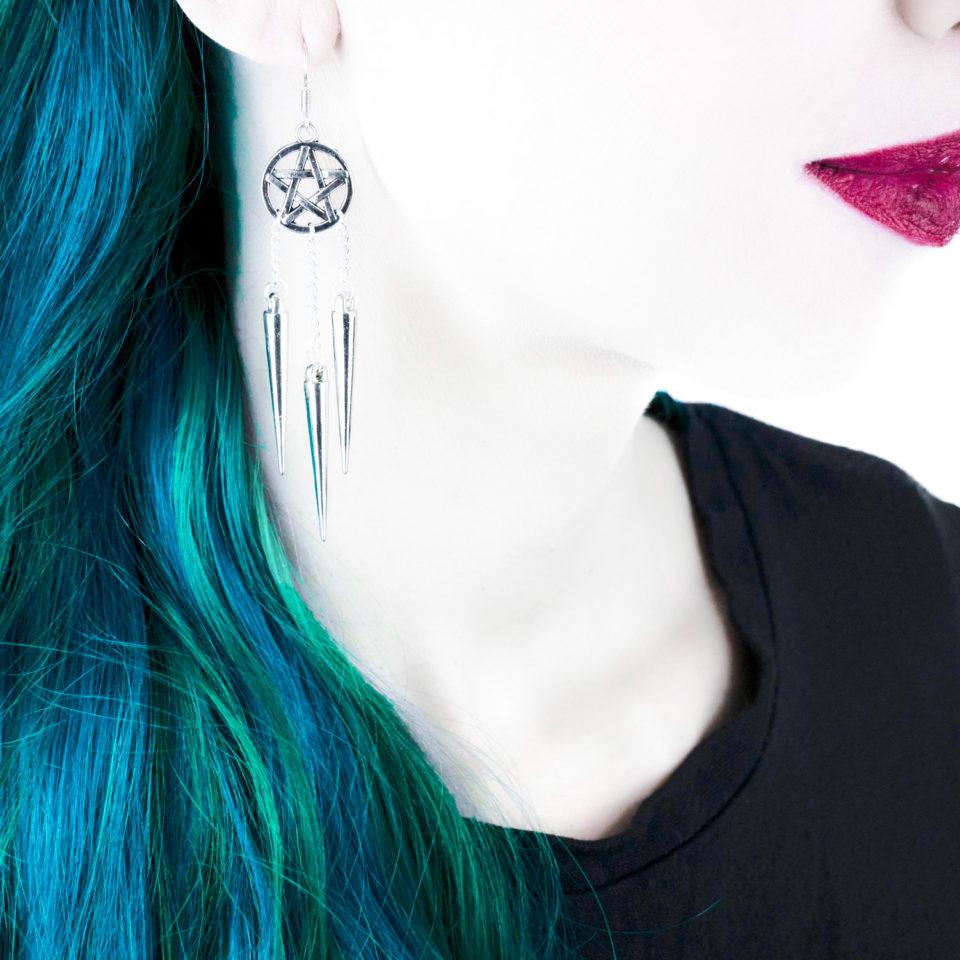 Pentagramm Ohrringe More Evil - Gothic Girl