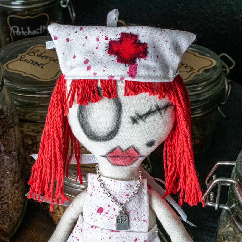 Gothic Puppe Agathe - Gesicht