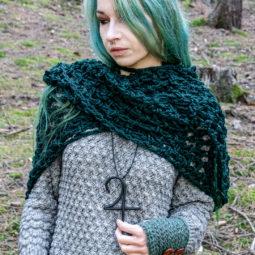 Pagan Woll-Schal Revebjelle - dunkles grün