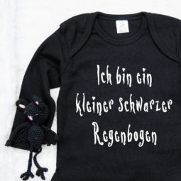 Gothic Baby Body langarm - Ich bin ein kleienr schwarzer Regenbogen